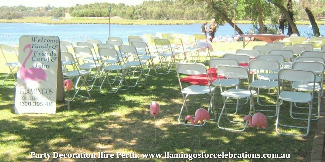 Flamingos are perfect for outdoor wedding decorations